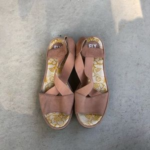 FLY London Gored Cross-Band Wedges Nude Pink EU 40